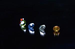 ライフジェムの遺骨ダイヤモンドは5種類のカラーがあります。